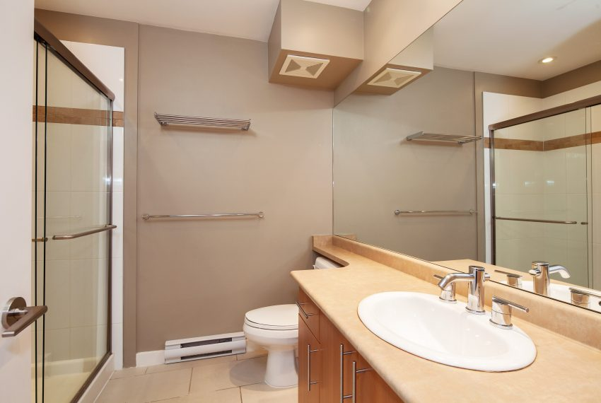 townhouse-for-sale-359-W-59th-Ave-2nd-bath