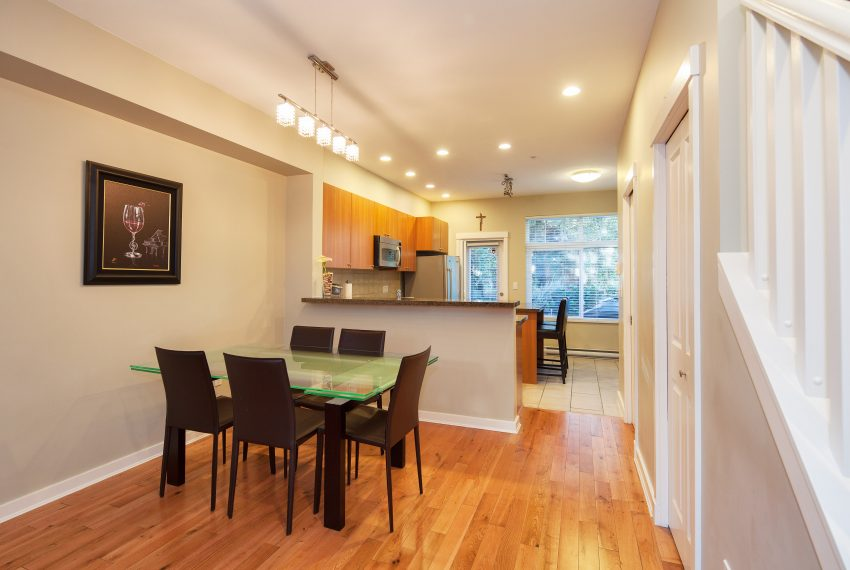 townhouse-for-sale-359-W-59th-Ave-dining-area