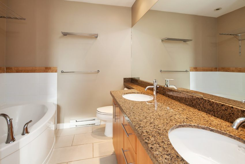 townhouse-for-sale-359-W-59th-Ave-ensuite