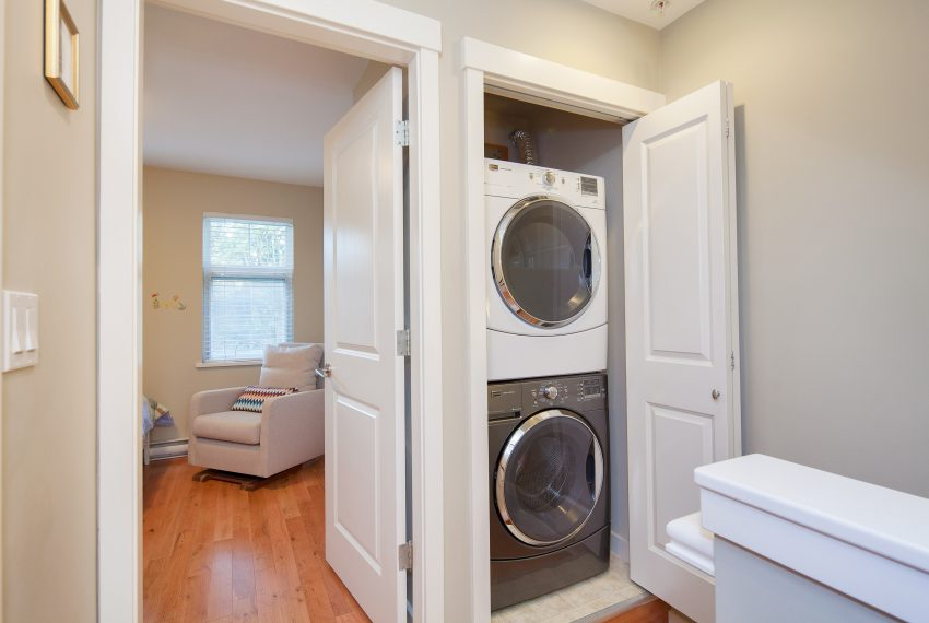 townhouse-for-sale-359-W-59th-Ave-laundry