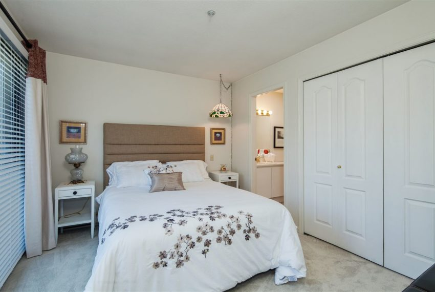 2188-se-marine-drive-18-vancouver-bed4