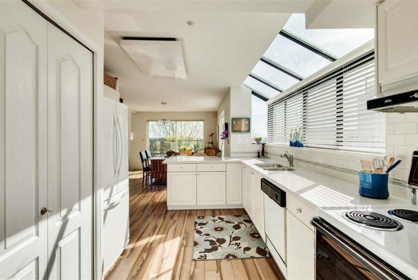 2188-se-marine-drive-18-vancouver-kitchen1