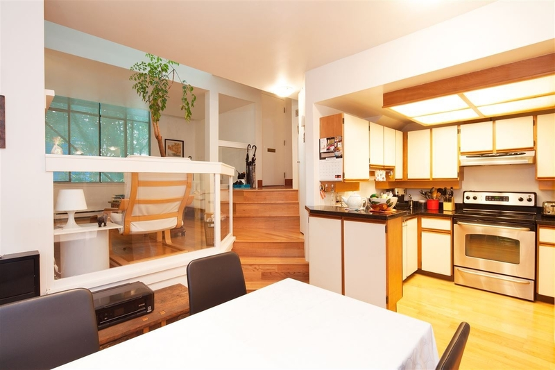 2-1065-W-8th-Ave-Vancouver-mls-r2183529-05