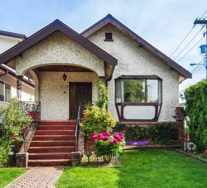 Fornt of house for sale located at 220 E 53rd Ave Vancouver BC