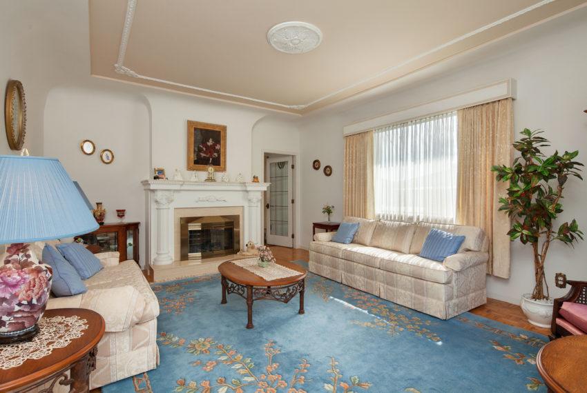 220 E 53rd Ave Living Room