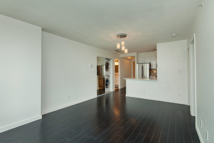 601 - 3438 Vanness Ave-14