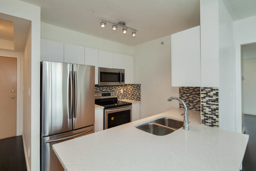 601 - 3438 Vanness Ave-6