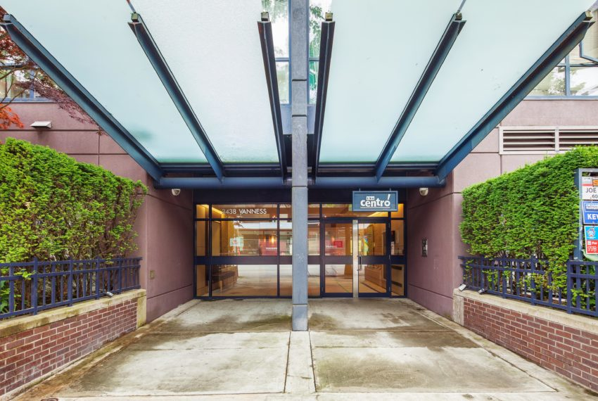 601 - 3438 Vanness Ave Vancouver Entrance
