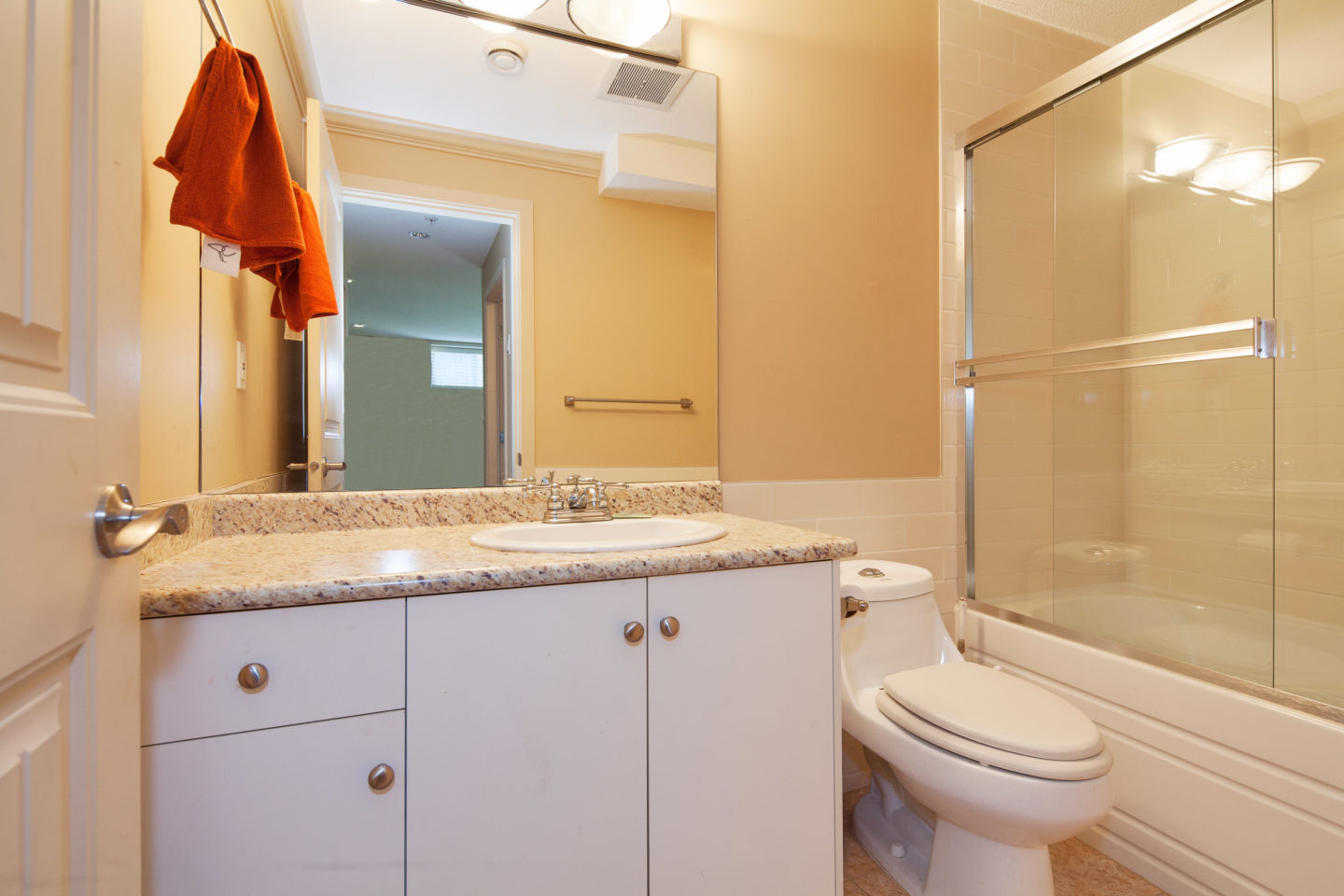 Plain bathroom accessories vancouver bc b with decor for Bathroom ideas vancouver