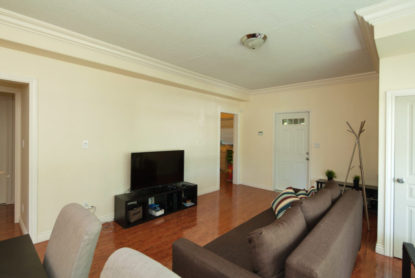 96 W 41st Ave-8