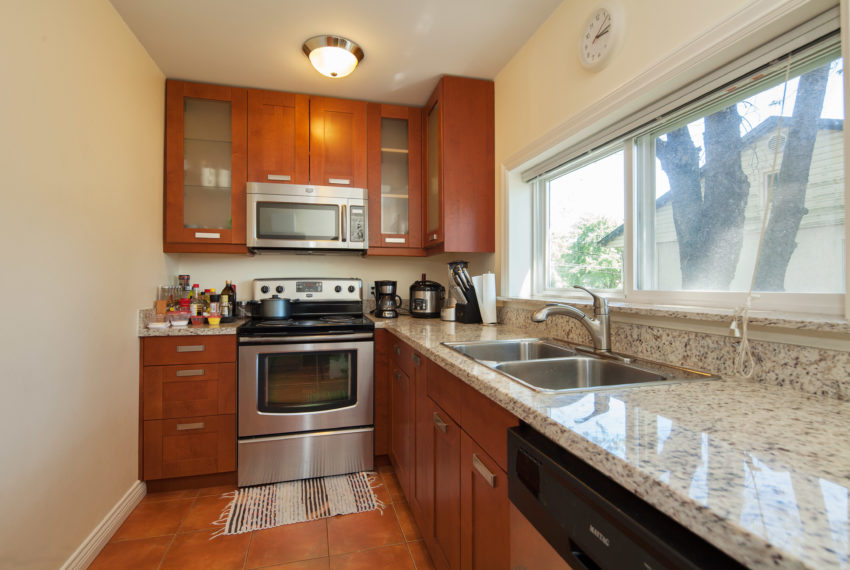 96 W 41st Ave-9