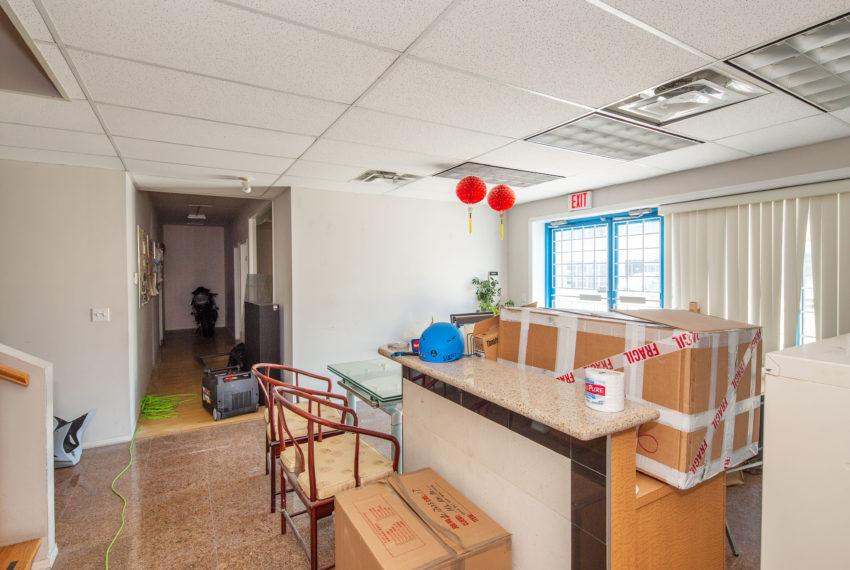 11800 River Rd  - Main Floor-4