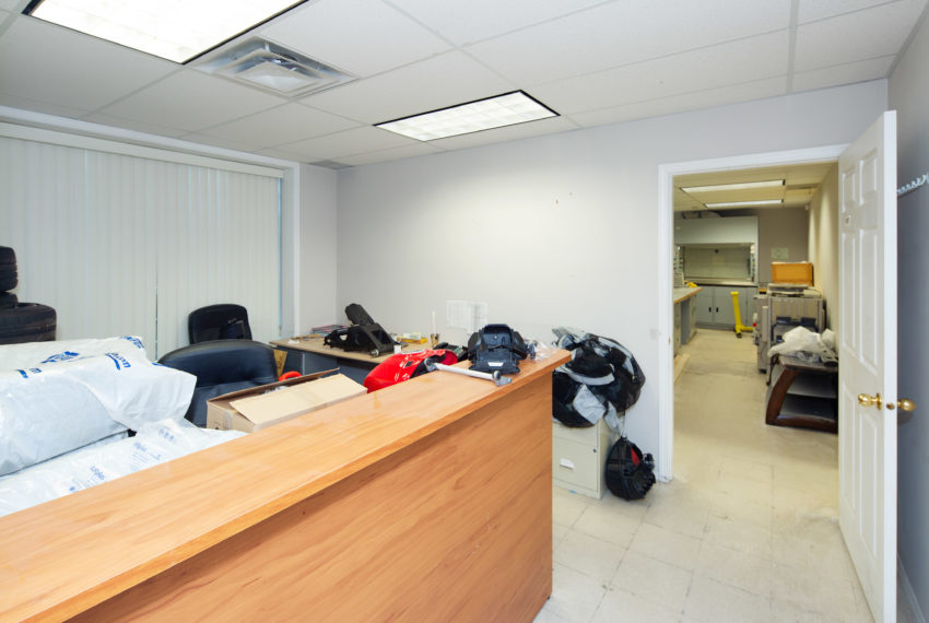 11800 River Rd  - Main Floor-5