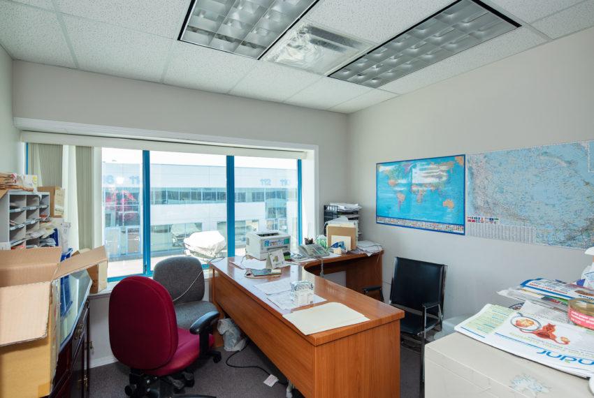 11800 River Rd  - Top Floor-25