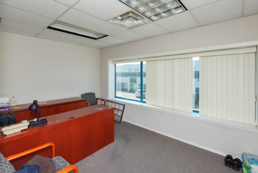 11800 River Rd  - Top Floor-29