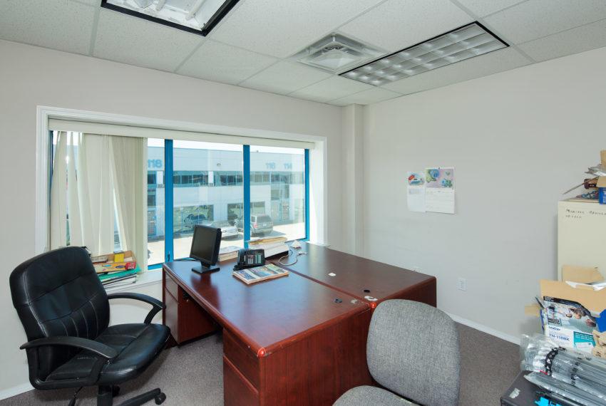 11800 River Rd  - Top Floor-30