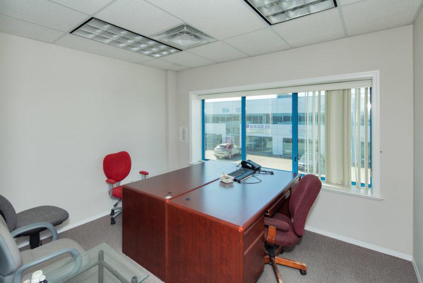 11800 River Rd  - Top Floor-31