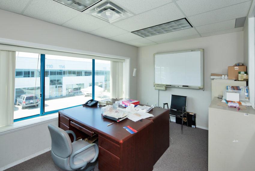 11800 River Rd  - Top Floor-32