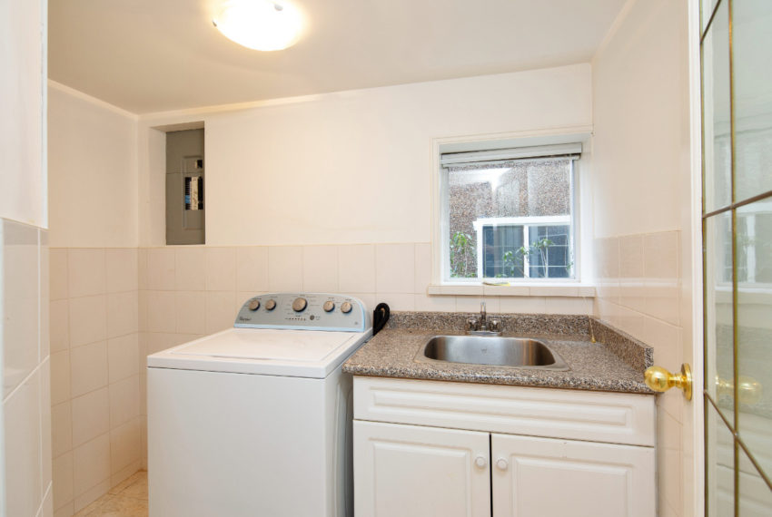 341 W 17th Ave-19