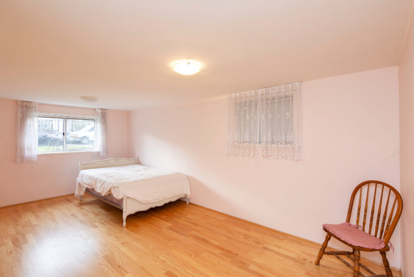 341 W 17th Ave-25