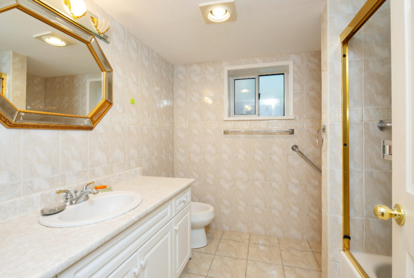 341 W 17th Ave-27
