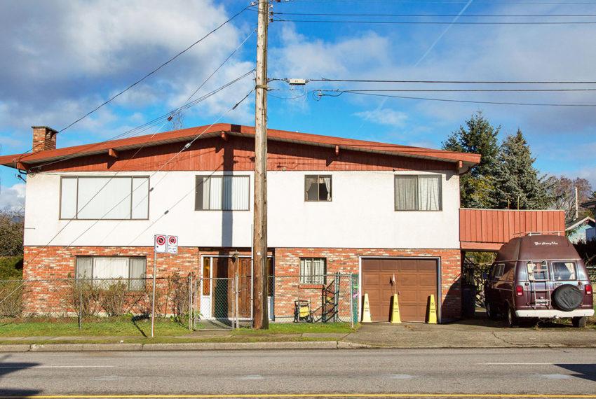 11-E-King-Edward-Ave-Exterior