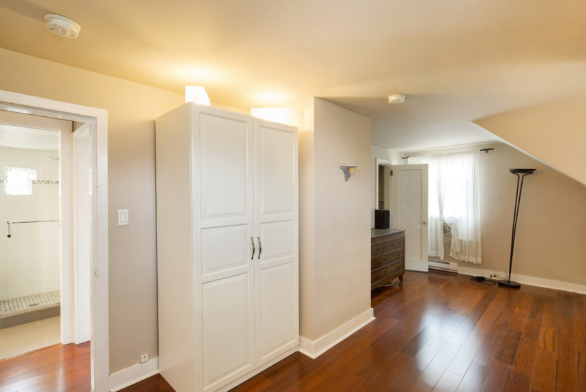 2462 W 49th Ave-21