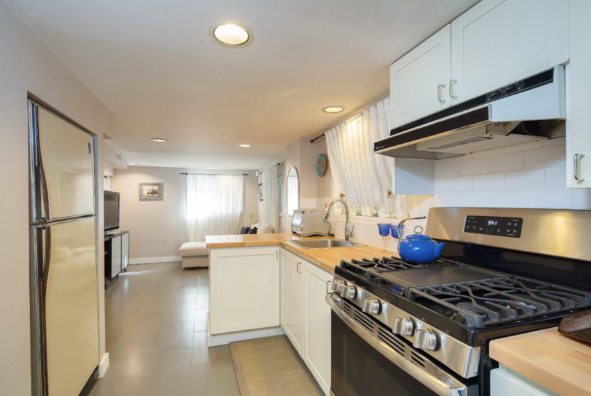 2462 W 49th Ave-31