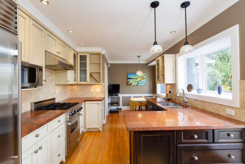 2462 W 49th Ave-9