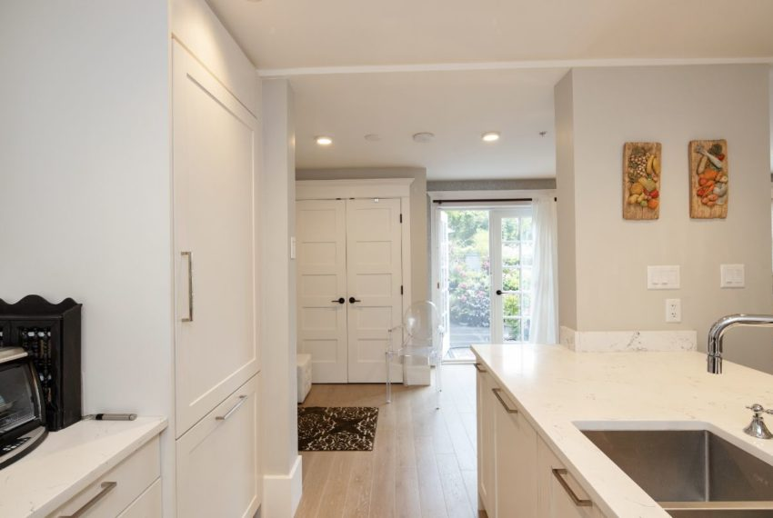 465 W 13th Ave-15