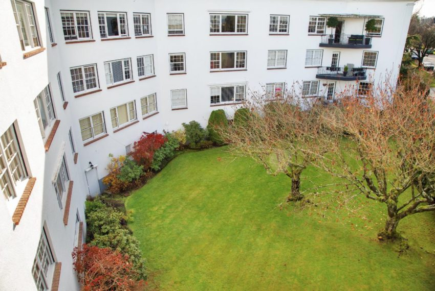 303 - 2890 Point Grey Rd-25