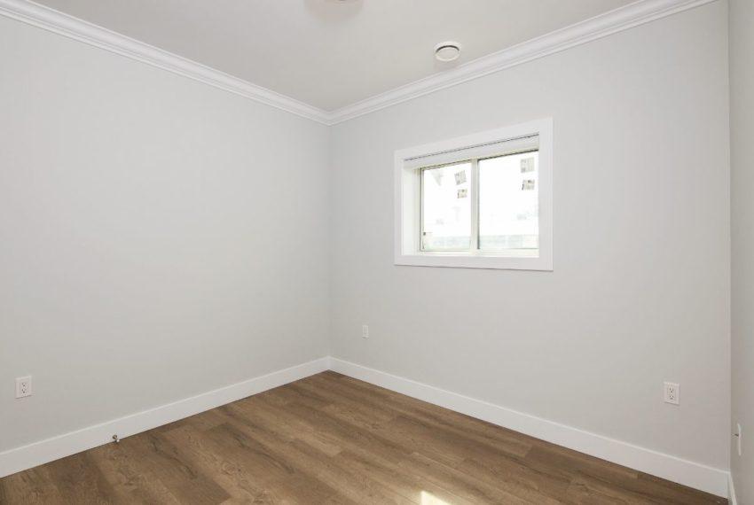 5548 Sherbrooke Street-21