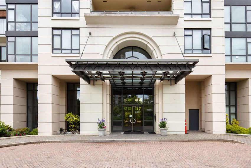 1003-6837-station-hill-dr-burnaby-1