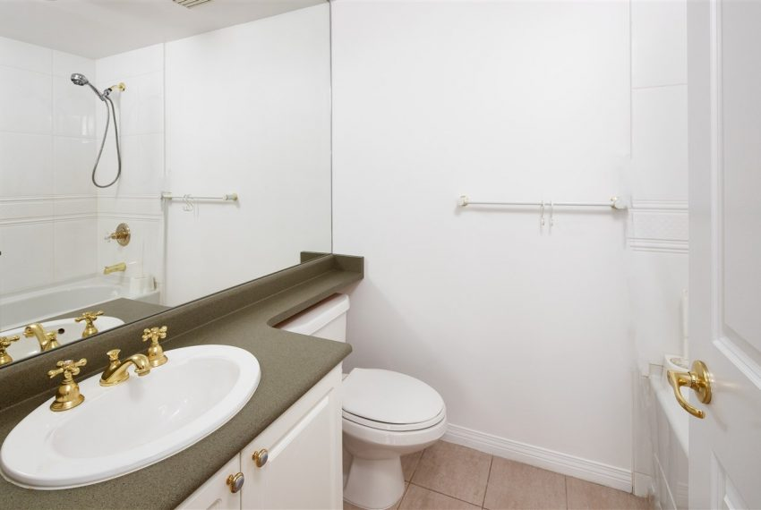 1003-6837-station-hill-dr-burnaby-9